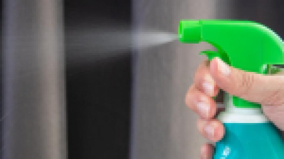 Le Toxiscore, le label qui épingle les produits ménagers les plus nocifs